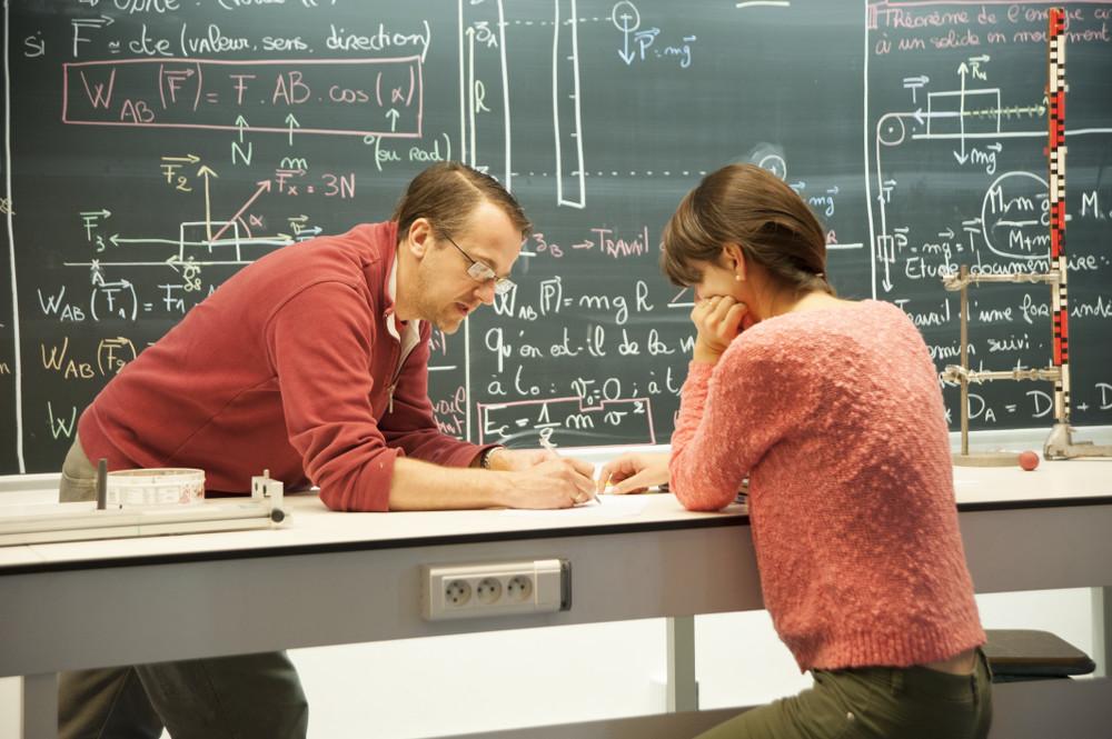 Master Meef Parcours Physique Chimie Sorbonne Universite